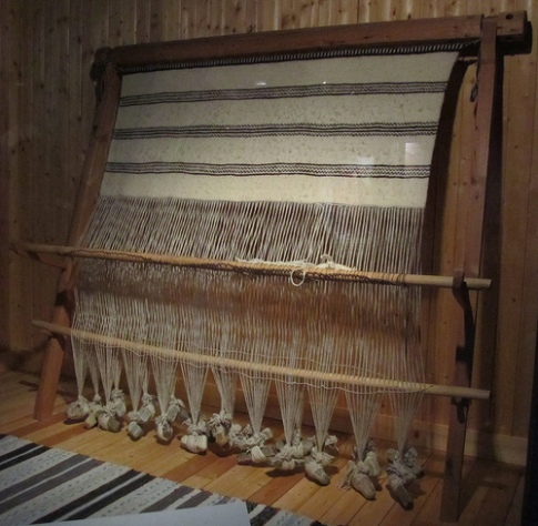 warp weighted loom
